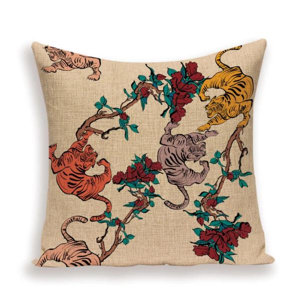 Tree tiger cushion
